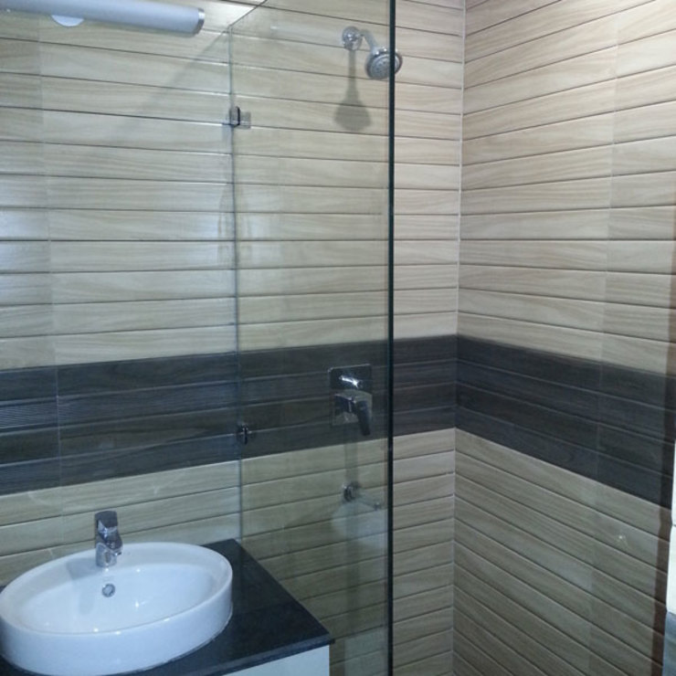 Silver Oaks Gurgaon Modern bathroom by Radian Design & Contracts Modern