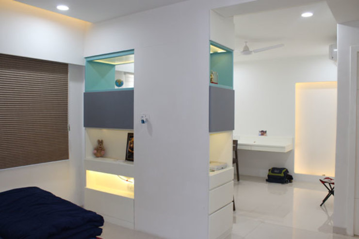 Residential Modern corridor, hallway & stairs by Sumer Interiors Modern