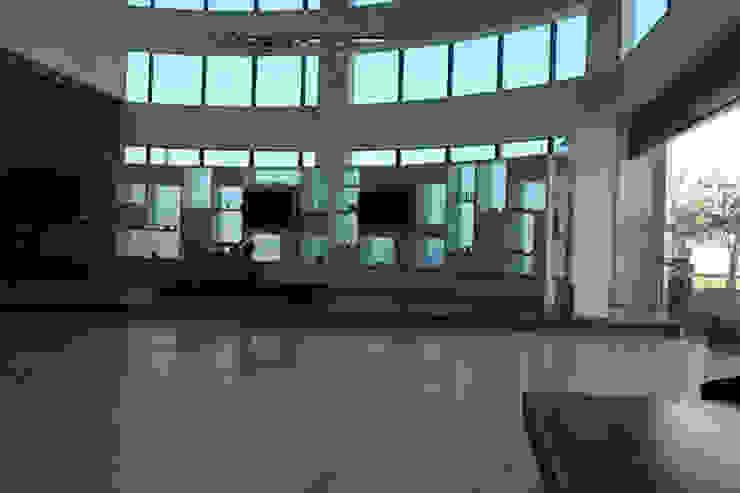 Corporate Organization Modern office buildings by Sumer Interiors Modern