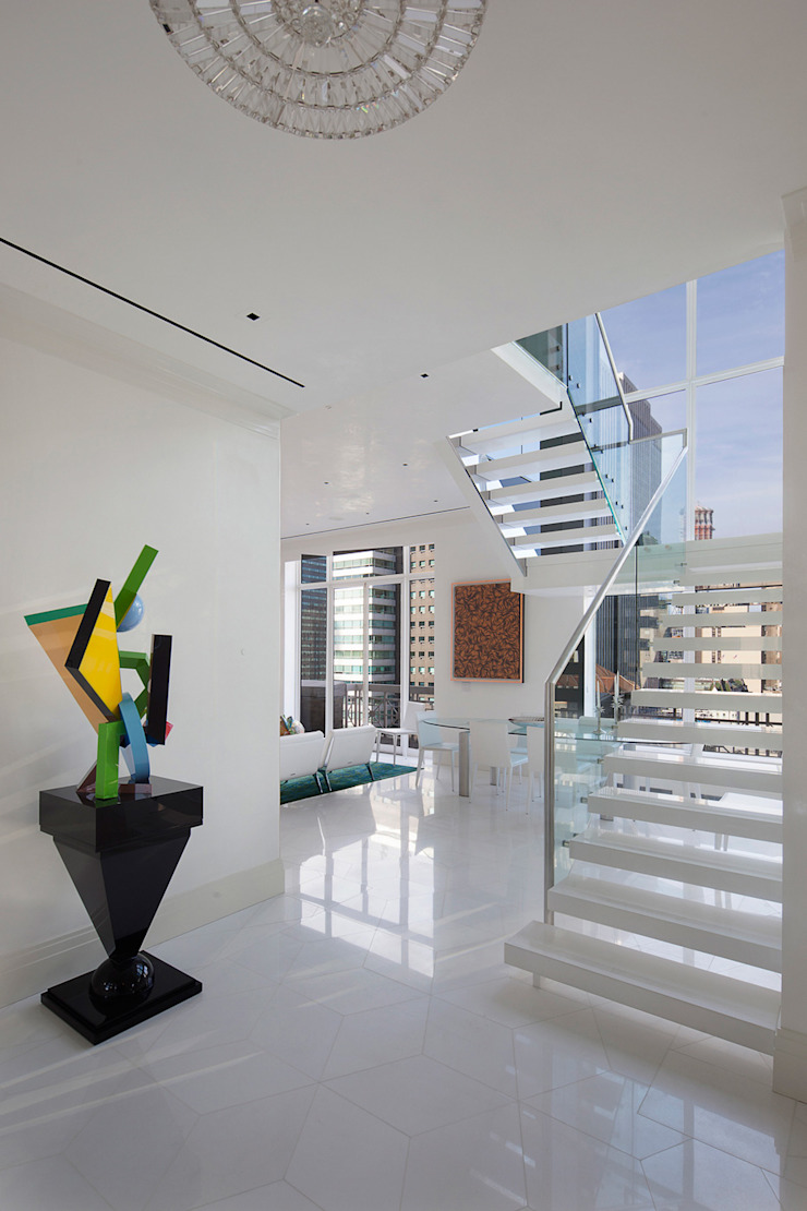 Park Avenue Duplex Modern Corridor, Hallway and Staircase by andretchelistcheffarchitects Modern