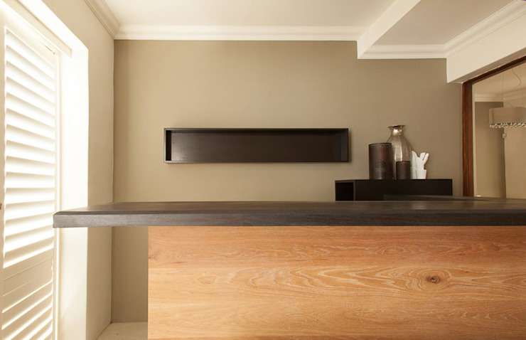 House Varyani Modern kitchen by Redesign Interiors Modern
