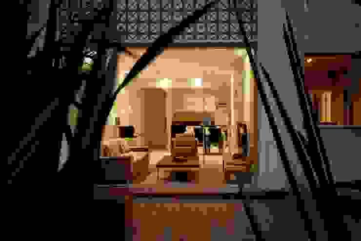Apartamento E.C., Jardins, São Paulo - Vista Externa André Viana Arquitetura Casas familiares Cinza