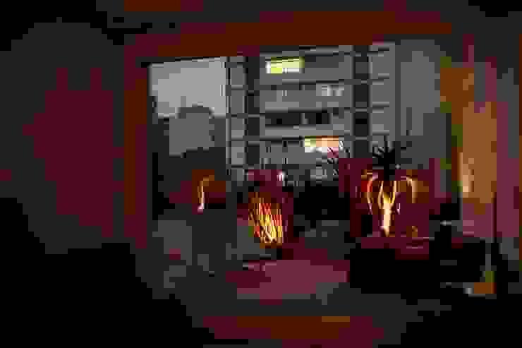 Apartamento E.C., Jardins, São Paulo - Vista do Jardim André Viana Arquitetura Jardins de fachadas de casas Bege