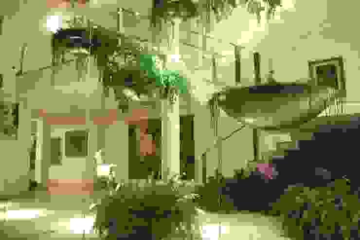 Modern conservatory by NATIVA PAISAGISMO LTDA Modern