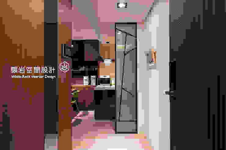 桃園市 桃園區 黃公館 現代風玄關、走廊與階梯 根據 顥岩空間設計 現代風