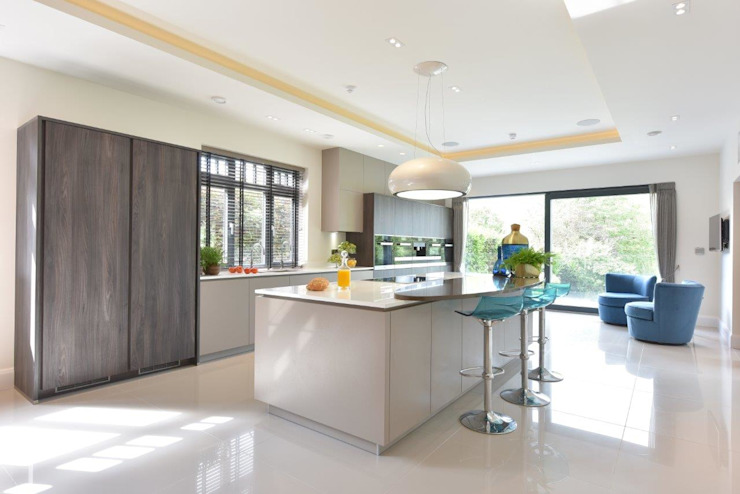 Mr & Mrs McLaughlin par Diane Berry Kitchens Moderne