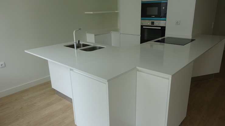 Davide Domingues Arquitecto Unit dapur Batu White