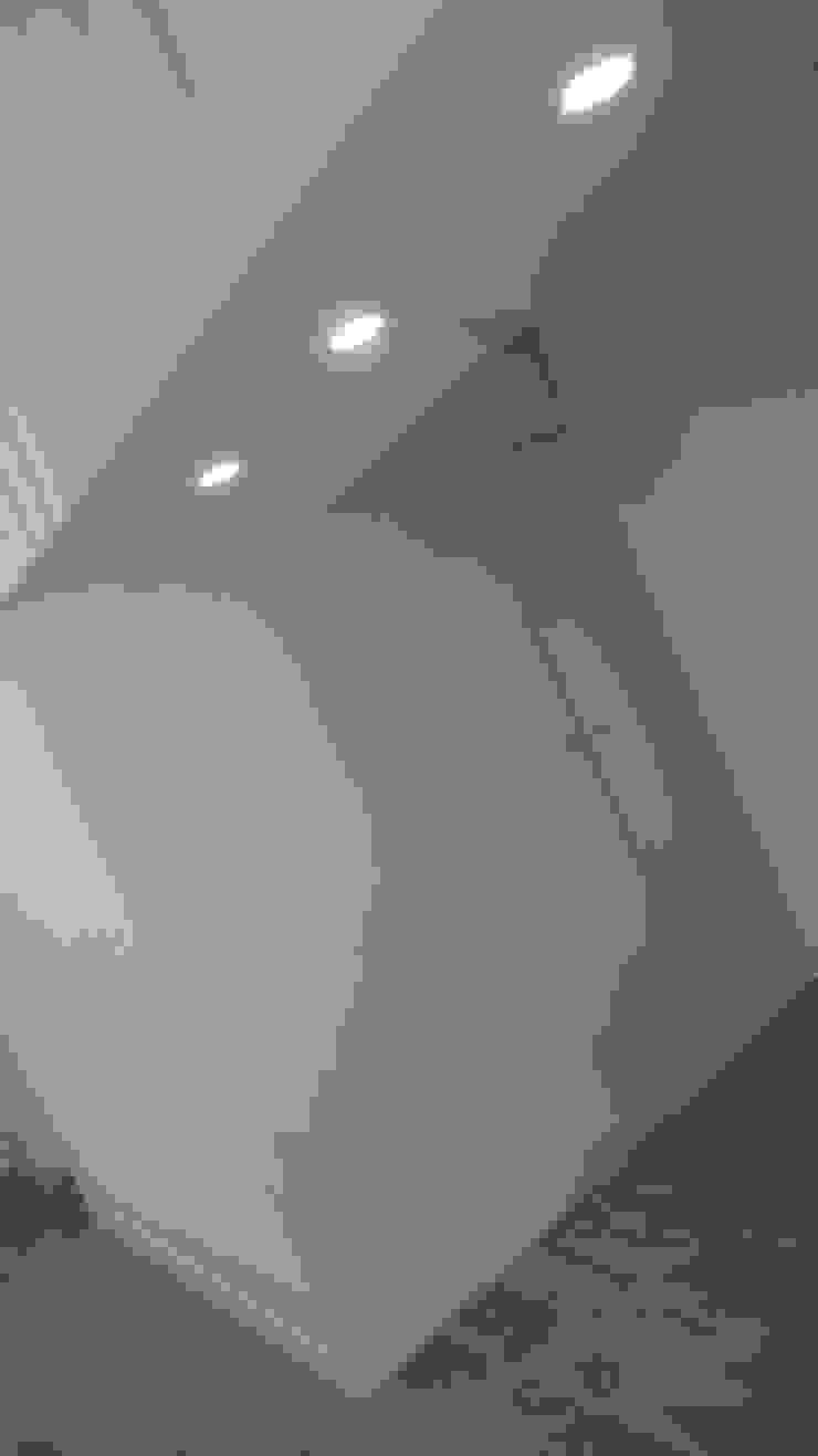 Davide Domingues Arquitecto Camera da letto minimalista MDF Bianco