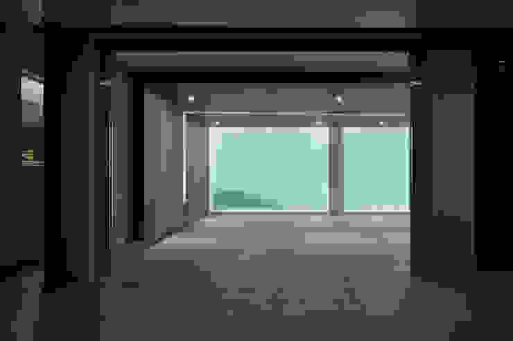 車庫入口 根據 Nestho studio