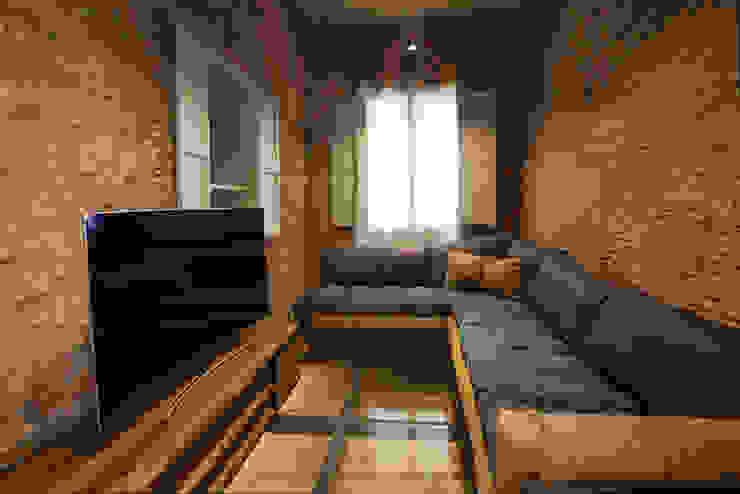 Oficinas y bibliotecas de estilo moderno de Isa de Luca Moderno