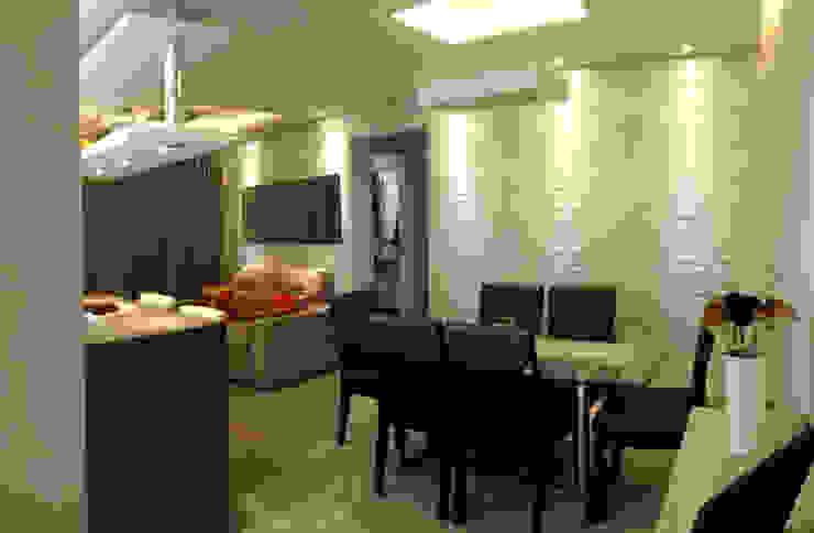 Sala Jantar Modern Dining Room by MRAM Studio Modern