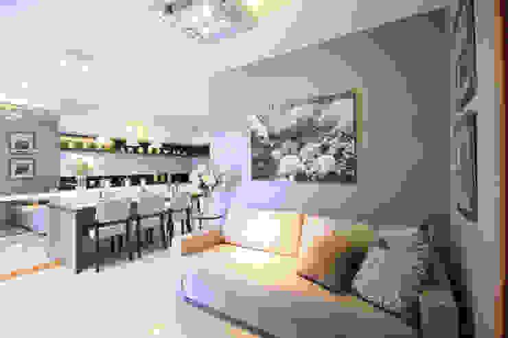 Sala de estar Modern Living Room by MRAM Studio Modern