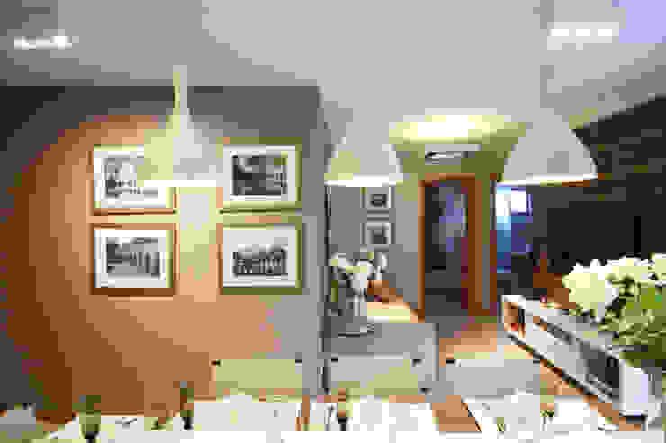Piazza Apartment Modern Living Room by MRAM Studio Modern