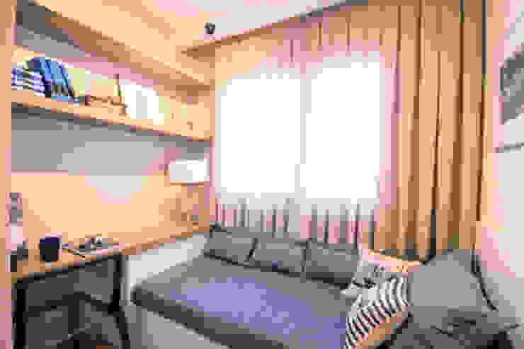 Quarto de solteiro Modern Bedroom by MRAM Studio Modern