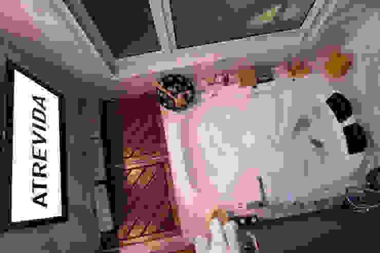 Bathroom by LUMBRA,