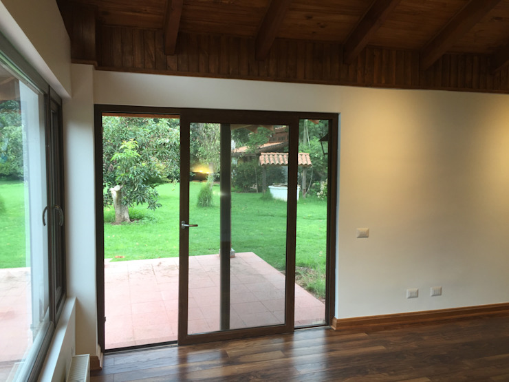 Classic style doors by ARCOP Arquitectura & Construcción Classic