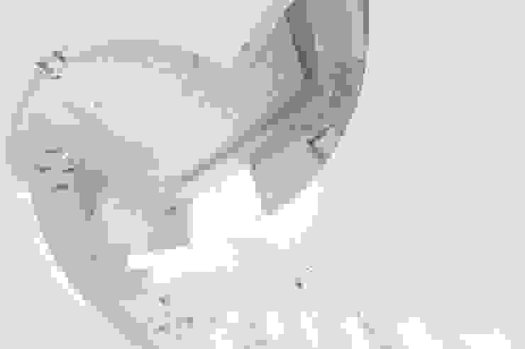 Scala Ingresso, Corridoio & Scale in stile minimalista di homify Minimalista