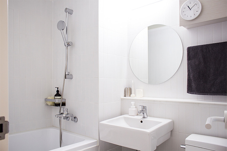 Modern bathroom by 플레이디자인 Modern