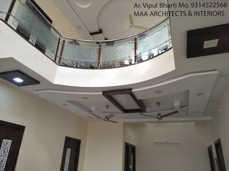 Sunil ji Kalyani Modern corridor, hallway & stairs by MAA ARCHITECTS & INTERIOR DESIGNERS Modern