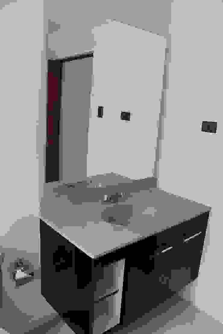 Remodelación Casa Lazo Baños de estilo moderno de ARCOP Arquitectura & Construcción Moderno