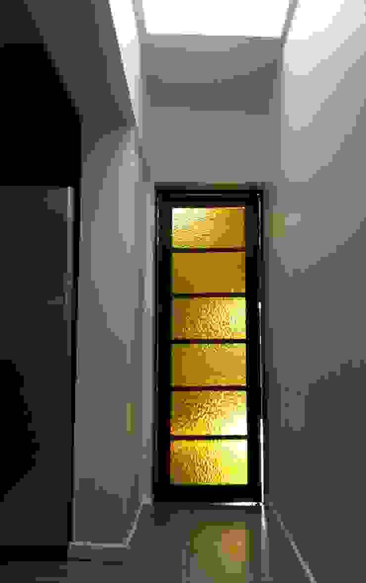 Remodelación Casa Arratia Puertas estilo clásico de ARCOP Arquitectura & Construcción Clásico