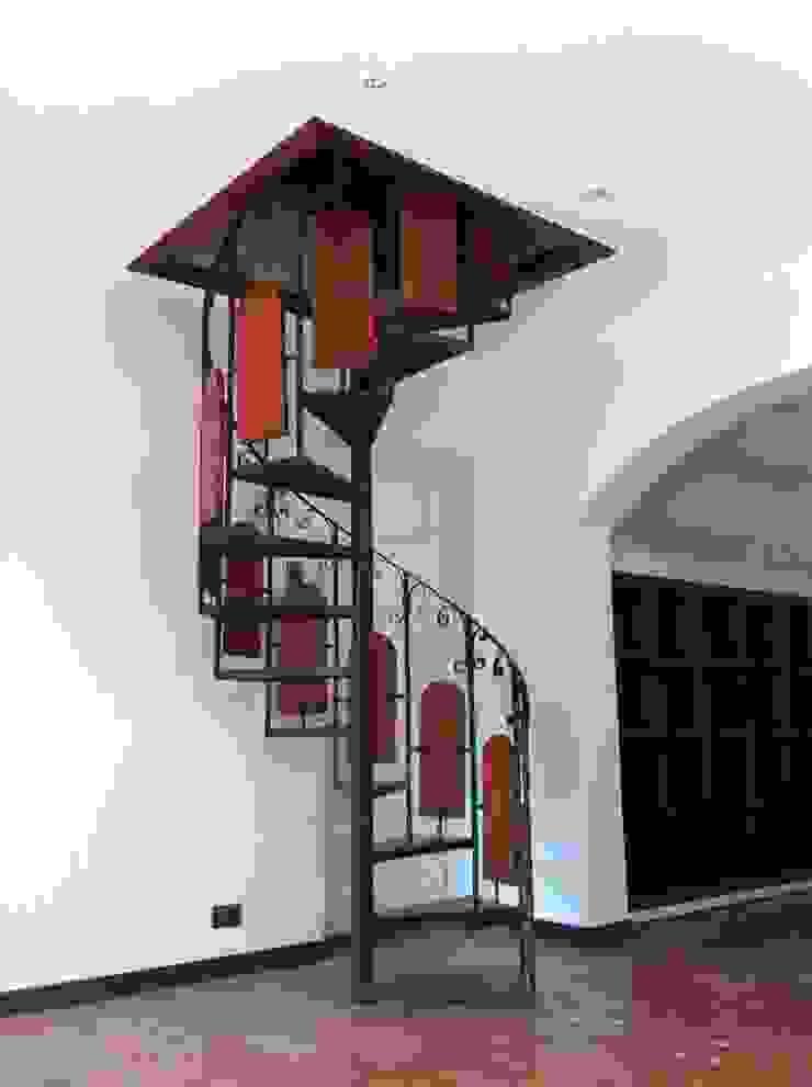 Remodelación Casa Arratia Pasillos, vestíbulos y escaleras coloniales de ARCOP Arquitectura & Construcción Colonial