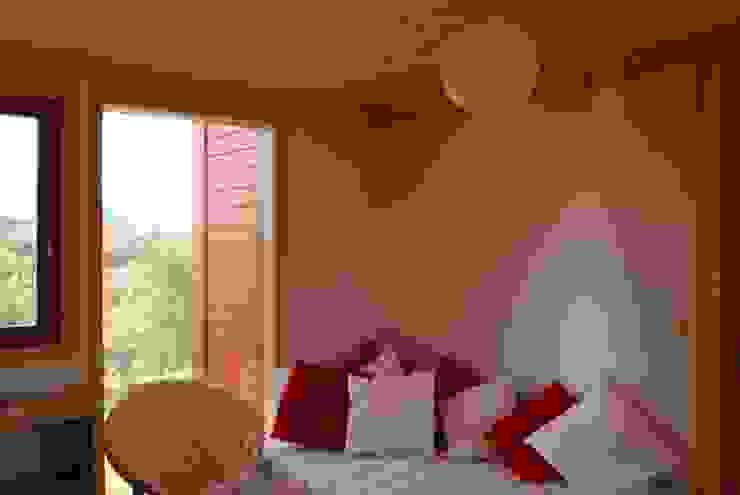 Kamar Tidur Gaya Rustic Oleh Rusticasa Rustic Kayu Wood effect