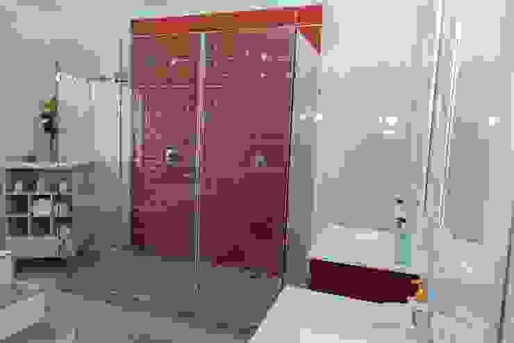에클레틱 욕실 by Indoni Interiors 에클레틱 (Eclectic) 타일