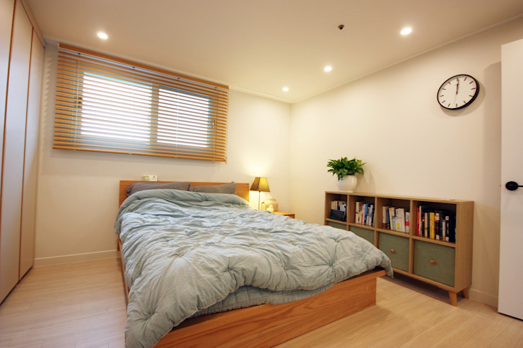 광장동 32평 내츄럴 홈스타일링 미니멀리스트 침실 by homelatte 미니멀