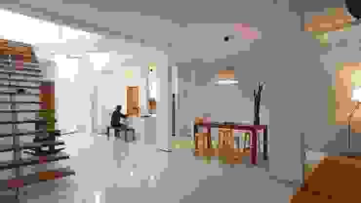 Interior Cage House Ruang Makan Modern Oleh Parametr Architecture Modern Besi/Baja