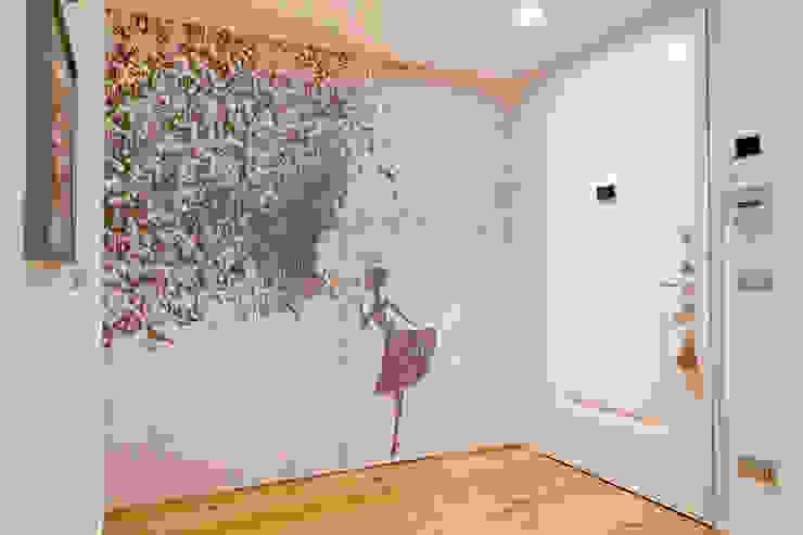 Couloir, entrée, escaliers minimalistes par studio ferlazzo natoli Minimaliste
