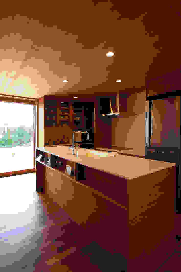 現代廚房設計點子、靈感&圖片 根據 藤松建築設計室 現代風
