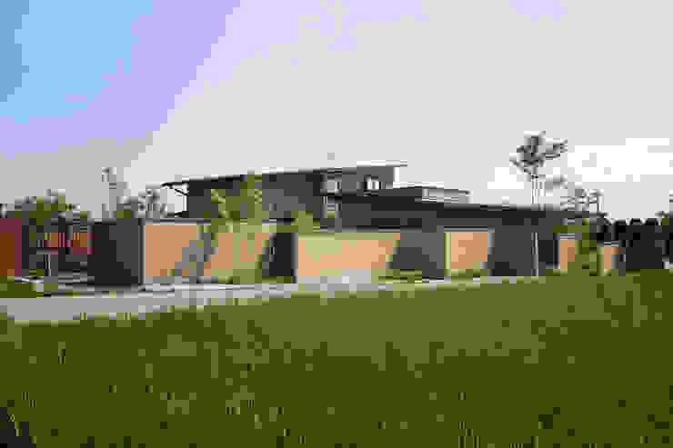 現代房屋設計點子、靈感 & 圖片 根據 藤松建築設計室 現代風