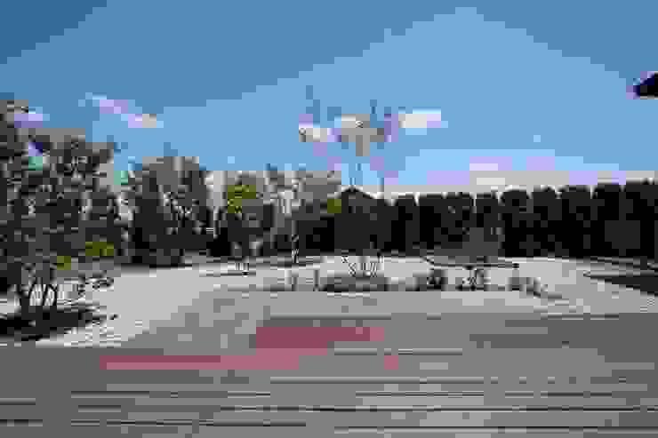 プライベートガーデン 藤松建築設計室 モダンな庭