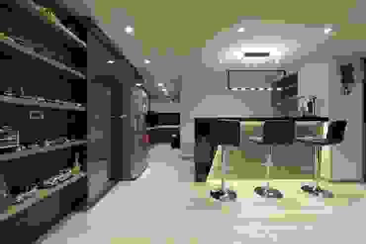 Comedores de estilo  por DIANTHUS 康乃馨室內設計