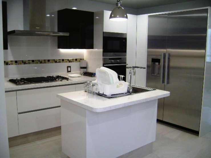 Cocina remodelada:  de estilo  por VIVE arquitectura,