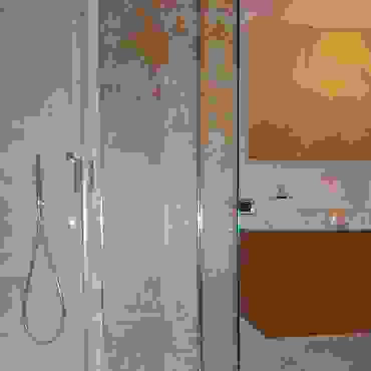 Modern bathroom by ArchitetturaTerapia® Modern