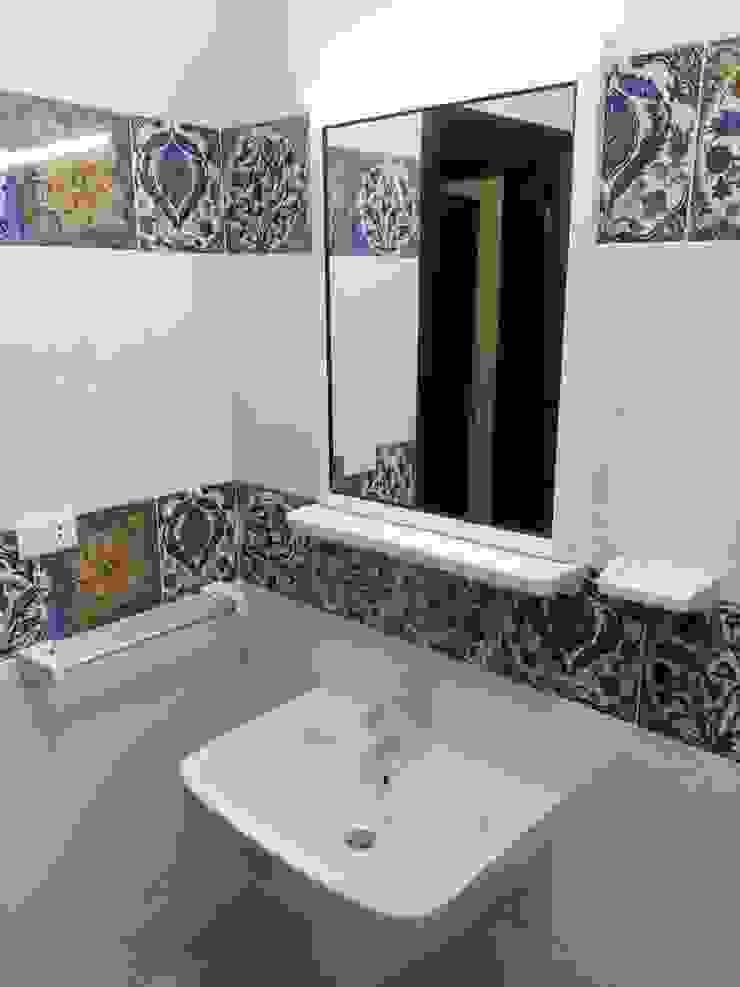 حمام صغير من TRK Architecture حداثي سيراميك