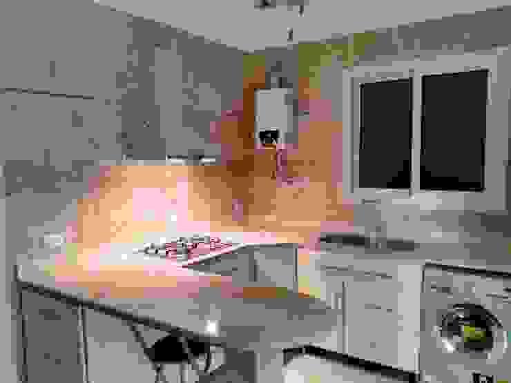 اضاءة مطبخ من TRK Architecture حداثي ألمنيوم/ زنك