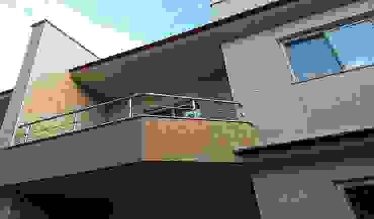 تراس علوي من TRK Architecture حداثي