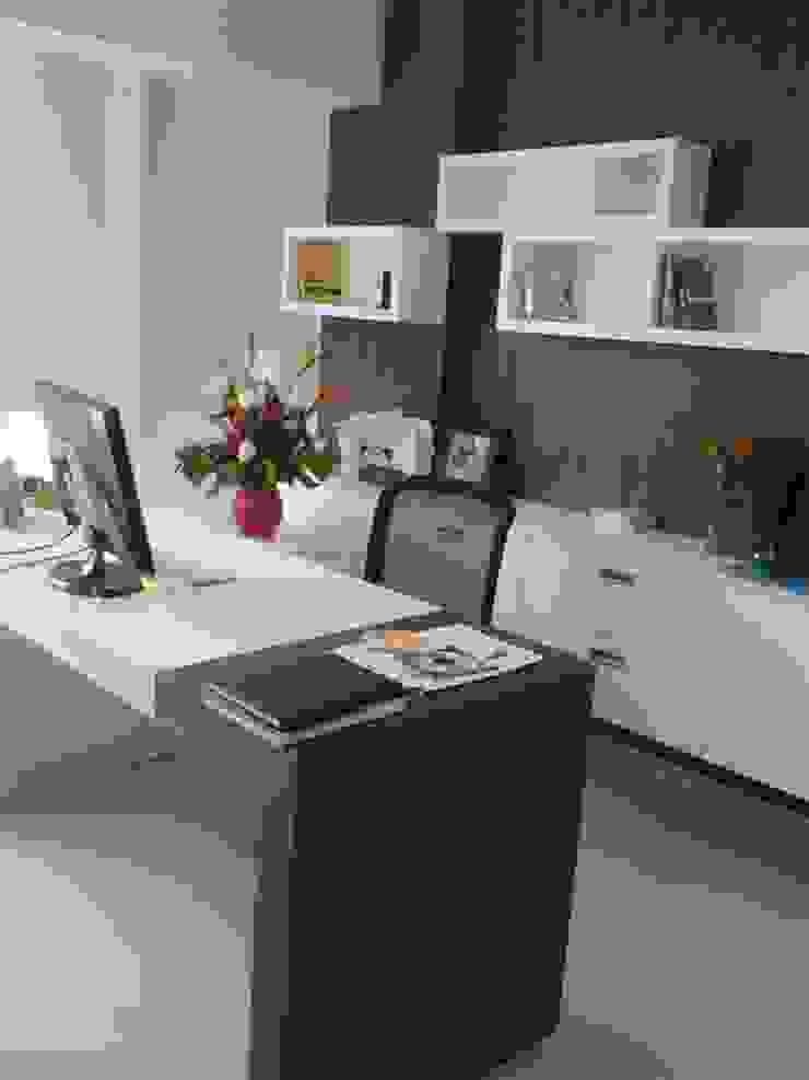 Oficinas de estilo moderno de J.H. Novoart E.I.R.L. Moderno