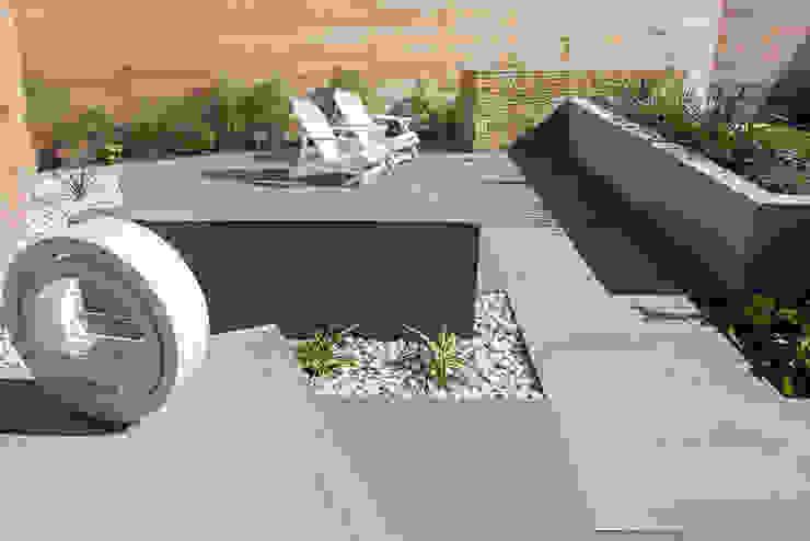 A Contemporary garden in Wales 根據 Robert Hughes Garden Design 現代風