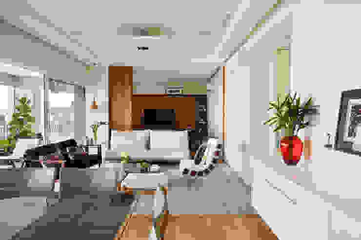 by andrea carla dinelli arquitetura Modern Wood Wood effect