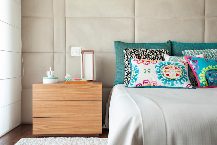 Modern style bedroom by andrea carla dinelli arquitetura Modern