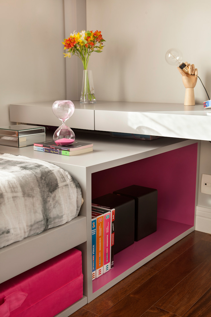 Modern style bedroom by andrea carla dinelli arquitetura Modern Wood Wood effect