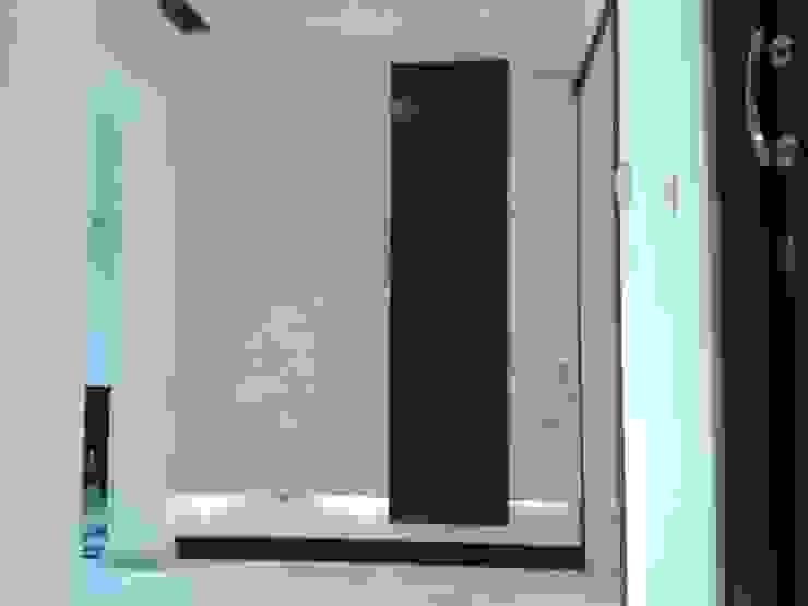 جدارية المدخل من Quattro designs حداثي