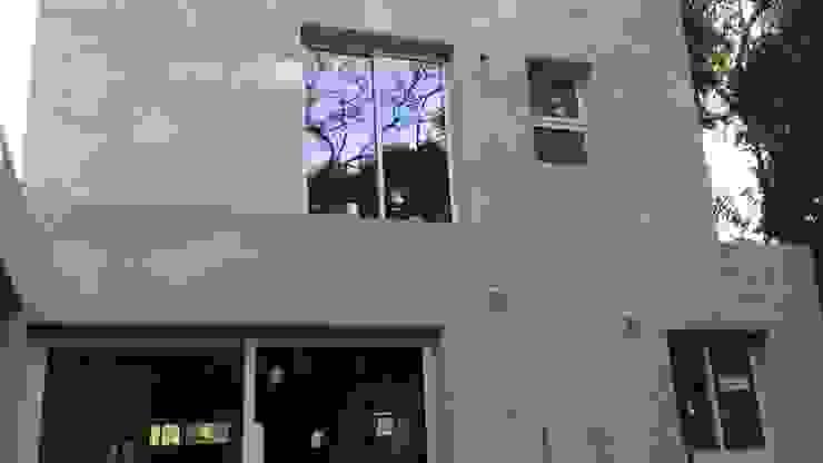 Casa MT Casas modernas: Ideas, imágenes y decoración de Arq. Gerardo Rodriguez Moderno