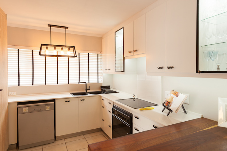 House Brooks. :  Kitchen by Redesign Interiors