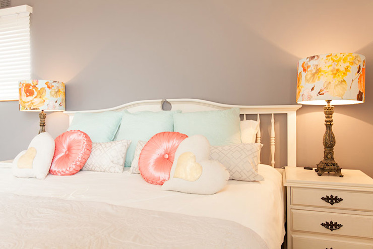 House Brooks. :  Bedroom by Redesign Interiors