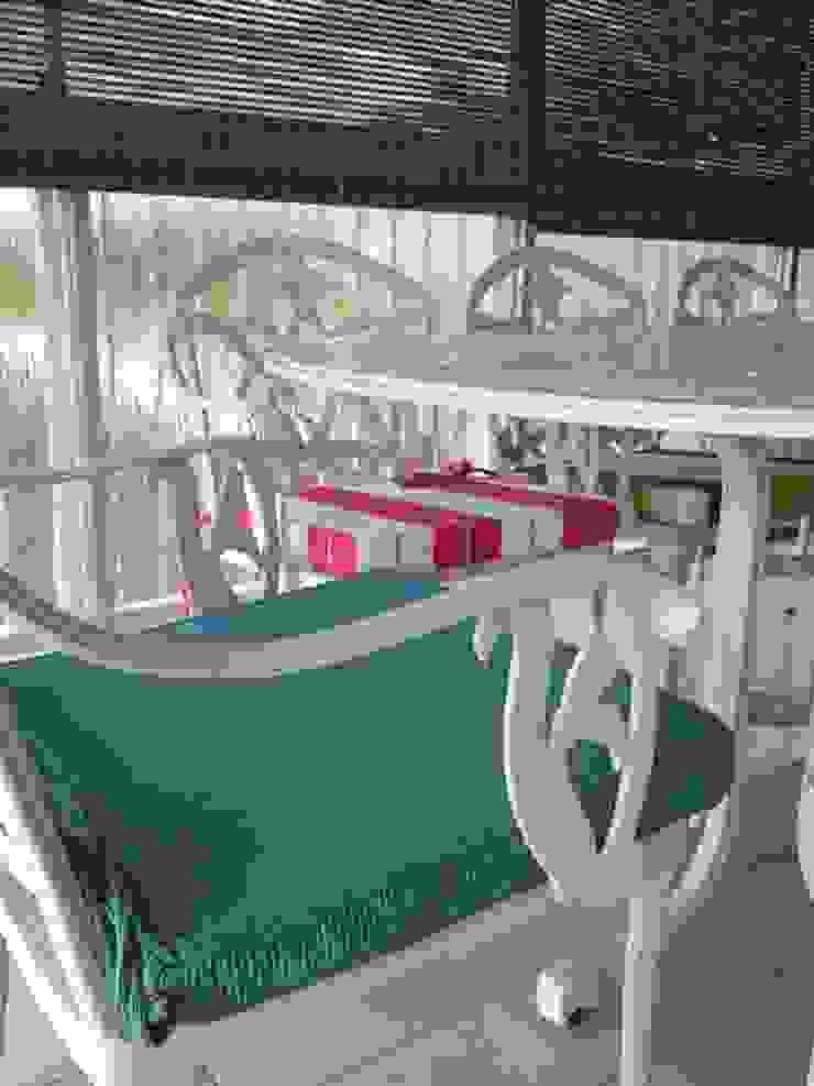 House Brooks. Balcones y terrazas modernos: Ideas, imágenes y decoración de Redesign Interiors Moderno